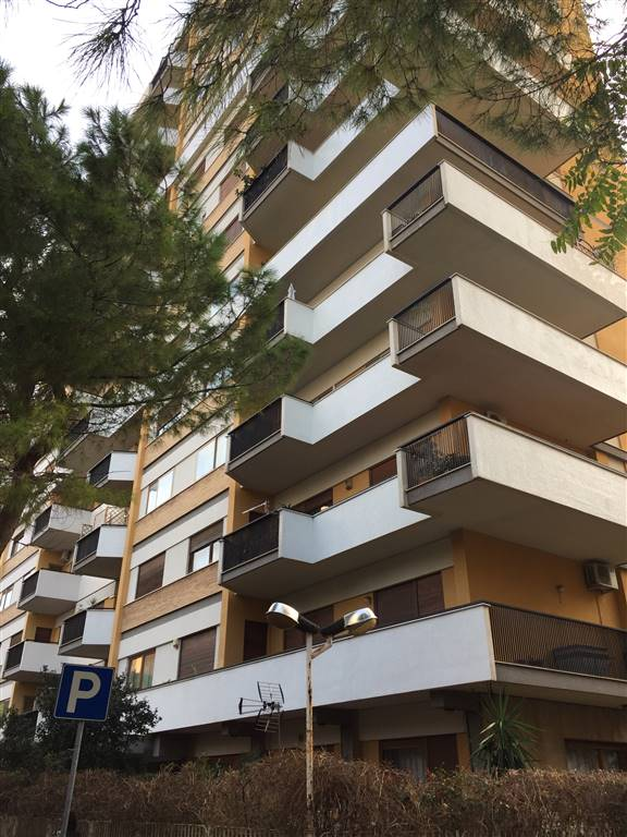Appartamento in Via Belgio  10, Strasburgo, Palermo