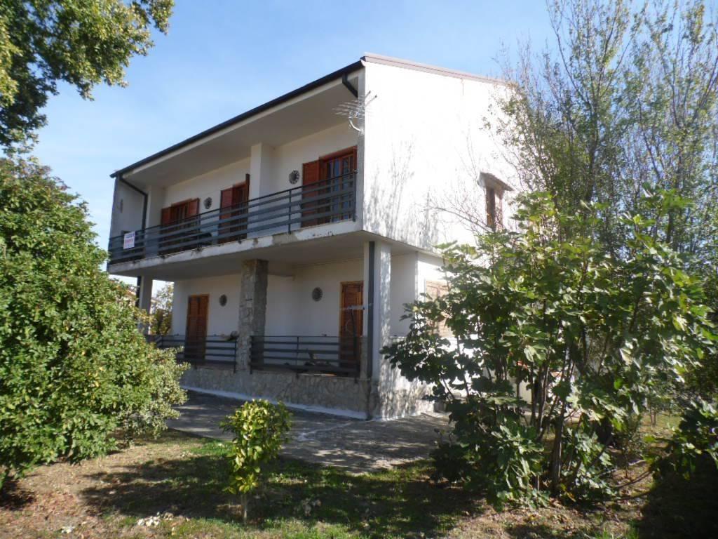 Villa, Grottolella