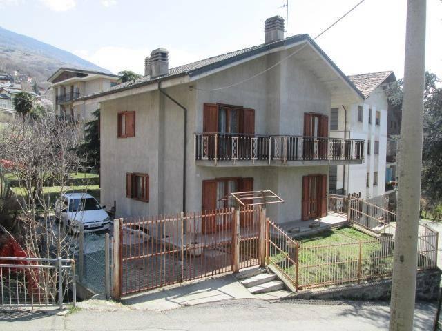 Villa in Via Martiri Della Libertà 60, Saint-vincent