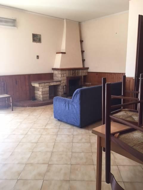 Appartamento in affitto a Montefusco, 4 locali, zona Zona: contrade: Sant'Egidio, prezzo € 300 | CambioCasa.it