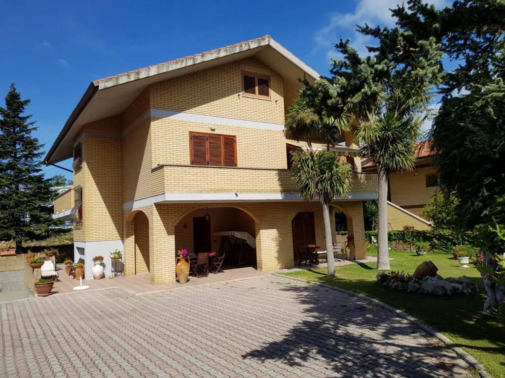 Villa, Francavilla Al Mare