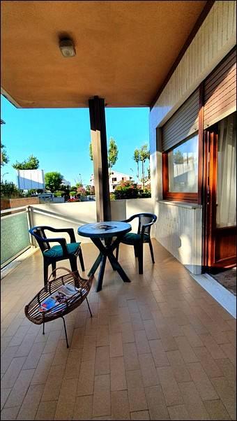 Appartamento in vendita a Francavilla al Mare, 6 locali, prezzo € 235.000 | CambioCasa.it