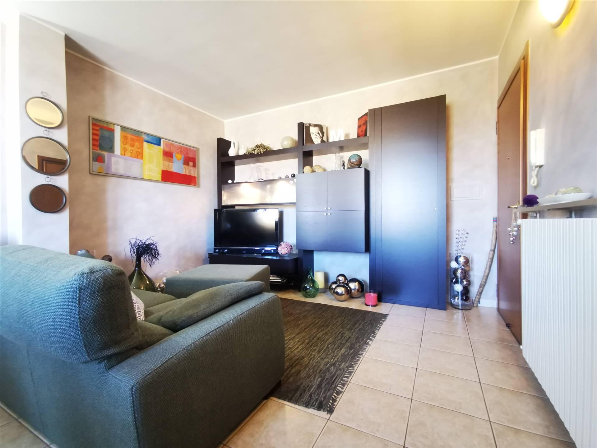 Appartamento in vendita a Dosolo, 3 locali, prezzo € 88.000   CambioCasa.it