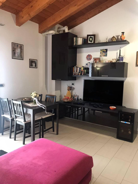 Appartamento in vendita a Dosolo, 3 locali, zona Zona: Dosolo, prezzo € 83.000   CambioCasa.it