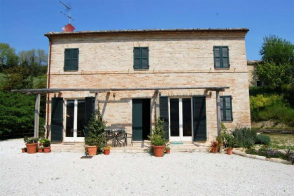 Country House in Monte Giberto FM