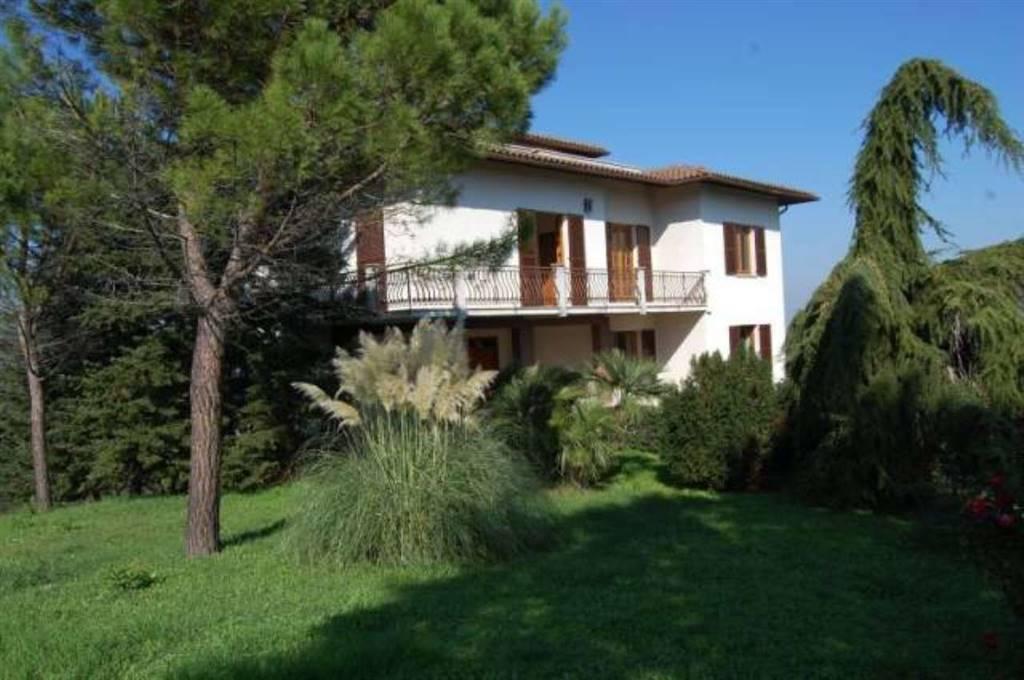 Villa in Poggio San Marcello AN