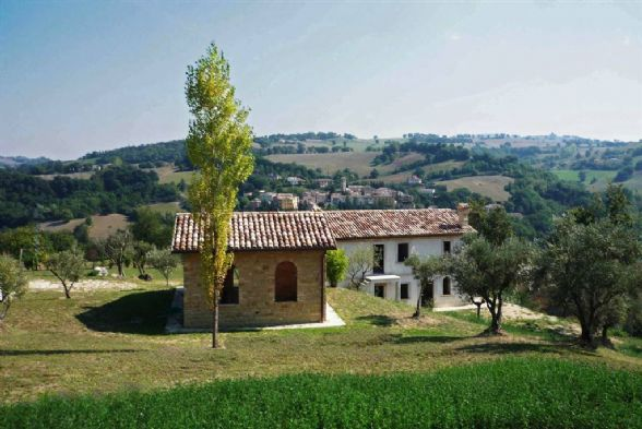 Country House in Camporotondo Di Fiastrone MC