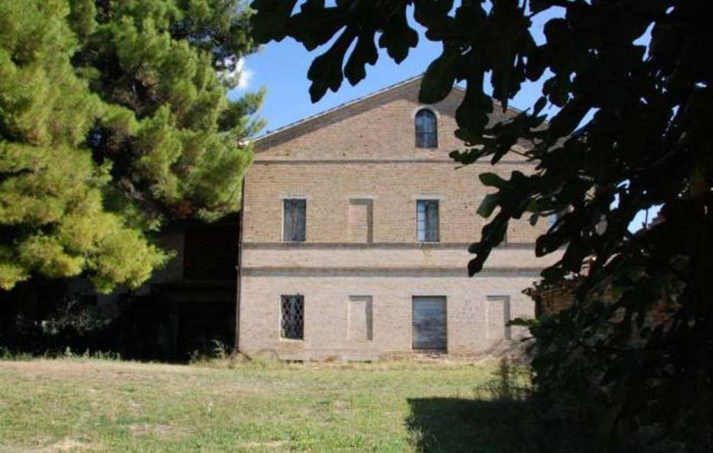 Country House in Montecassiano MC