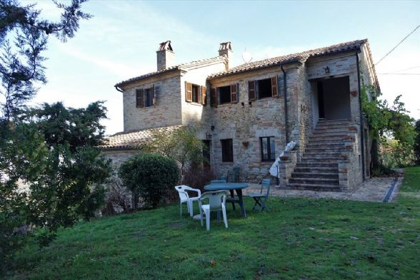 Country House in Montedinove AP