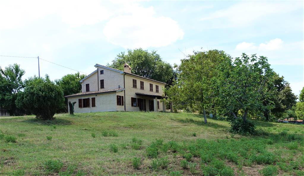 Country House in Carassai AP