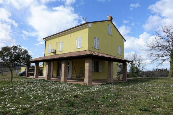 Country House in Montegiorgio FM