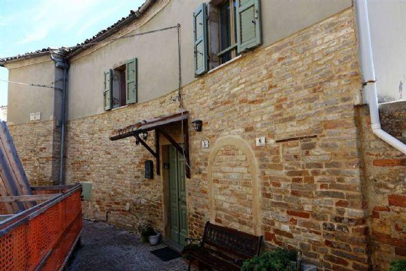 Villa in Montalto Delle Marche AP