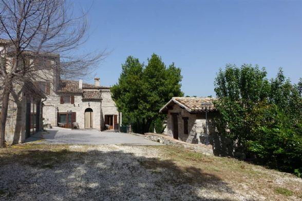 Estate in San Severino Marche MC