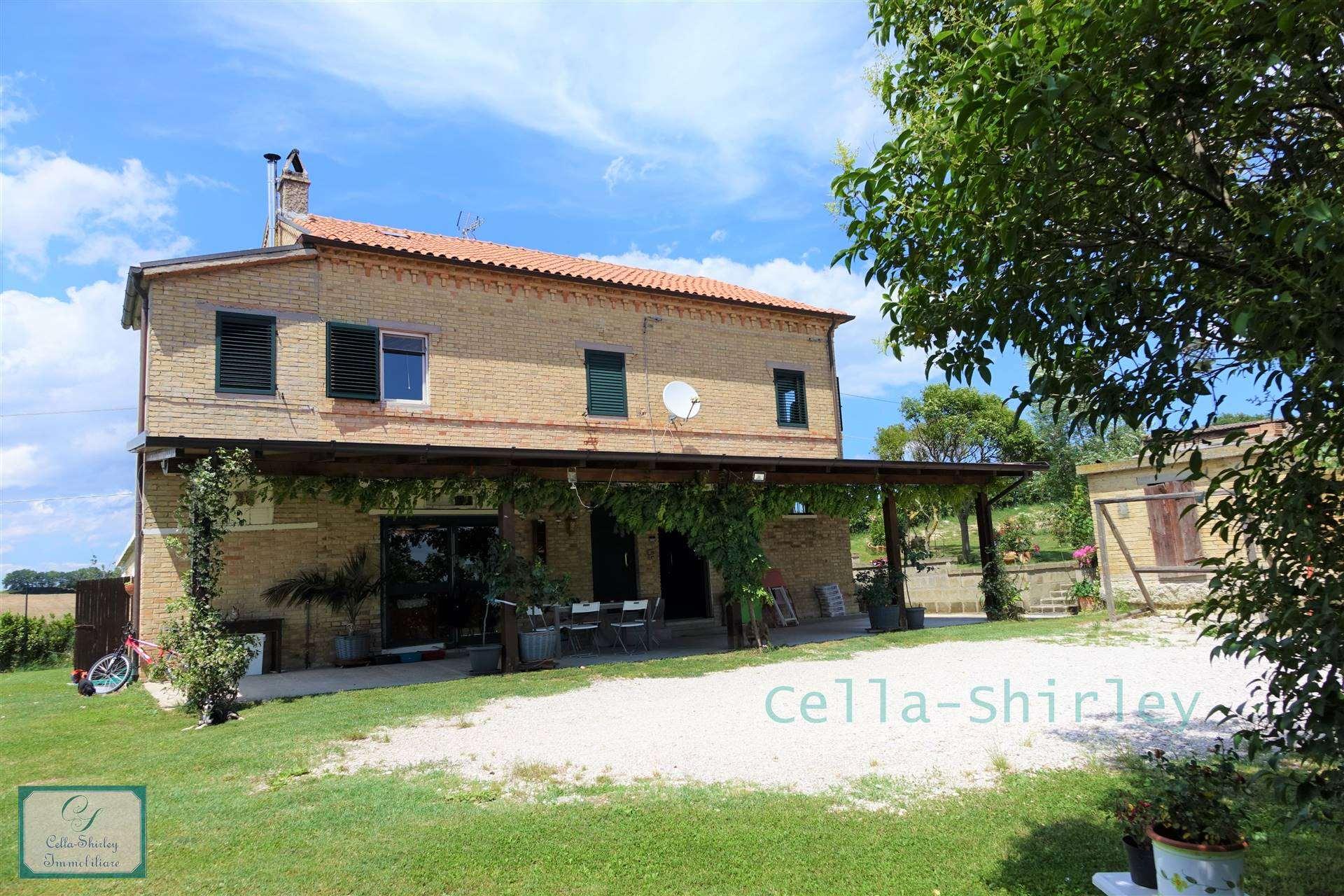 Farmhouse in Monterubbiano FM