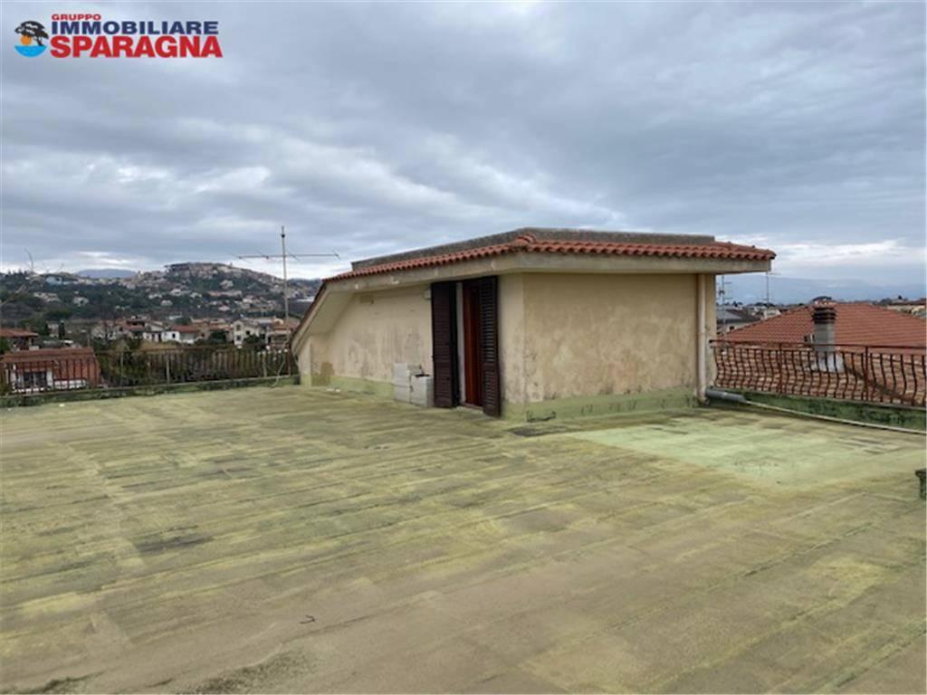 Magazzino in vendita a Minturno, 1 locali, prezzo € 18.500 | CambioCasa.it