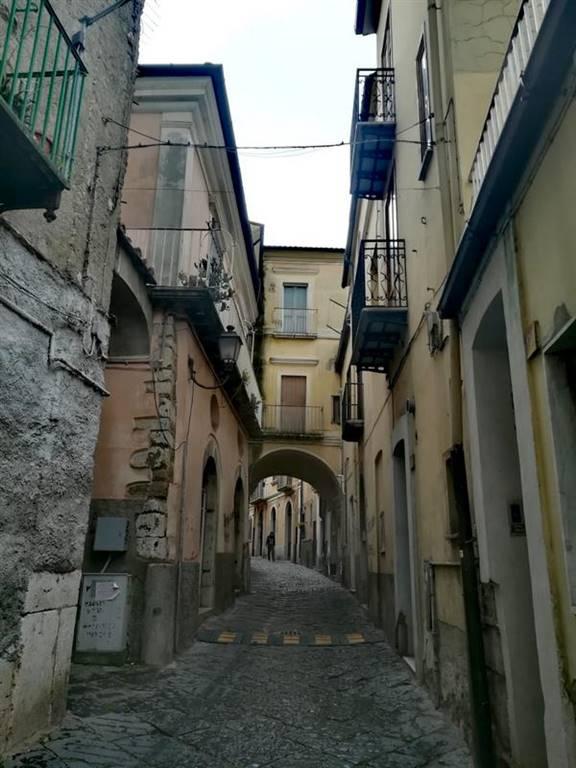 Trilocale, Centro, Benevento, abitabile