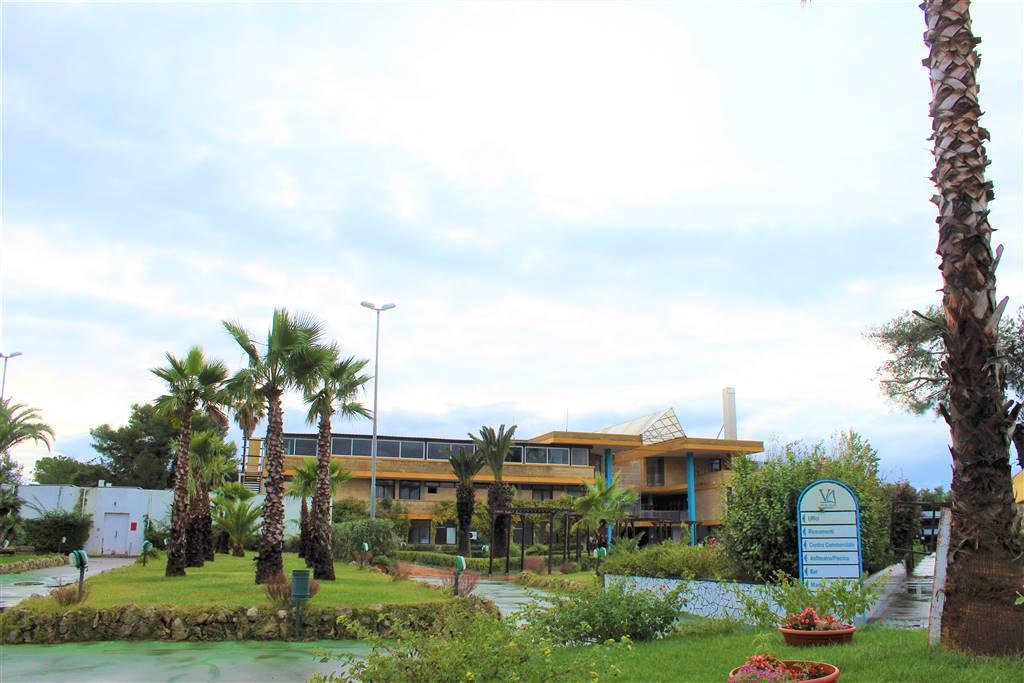 Marina di Ugento - Victor Village Trilocale Ristrutturato con lastrico solare Salento: Il mare, il sole e il vento. Nel rinomato Villaggio turistico Victor Village a ridosso della meravigliosa