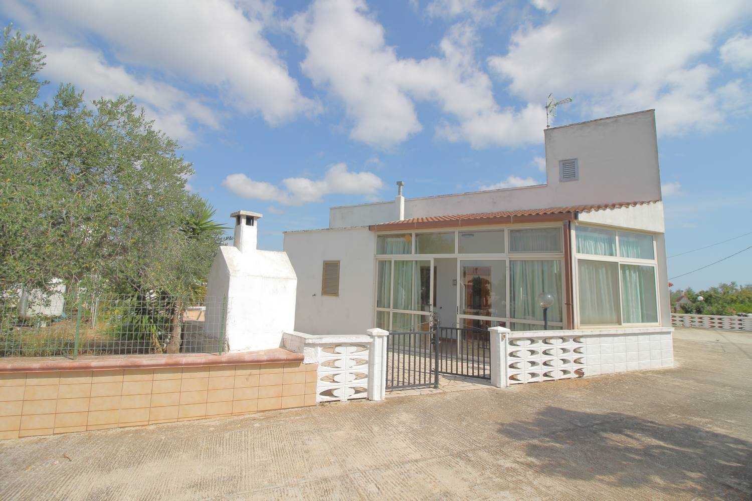 MONOPOLI, Apartment for sale of 70 Sq. mt., Habitable, Heating Individual heating system, Energetic class: G, Epi: 165 kwh/m2 year, placed at Ground, composed by: 3 Rooms, Separate kitchen, , 1