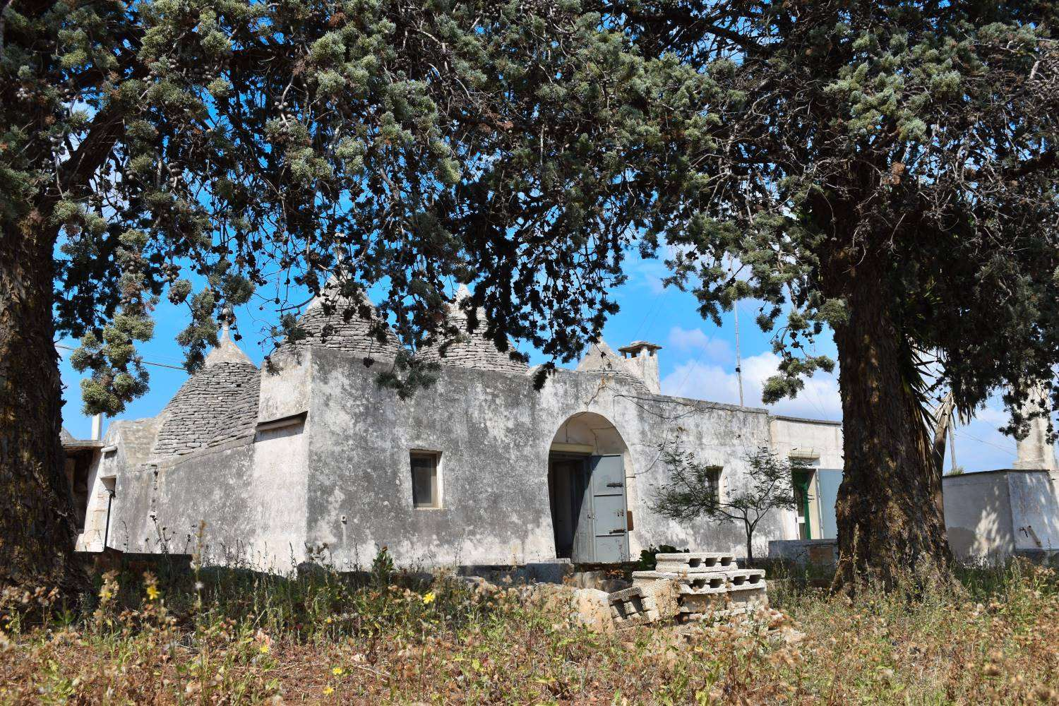 MARTINA FRANCA, Trulli for sale of 160 Sq. mt., Habitable, Heating Non-existent, Energetic class: G, Epi: 165 kwh/m2 year, placed at Ground, composed by: 7 Rooms, Separate kitchen, , 3 Bedrooms, 1