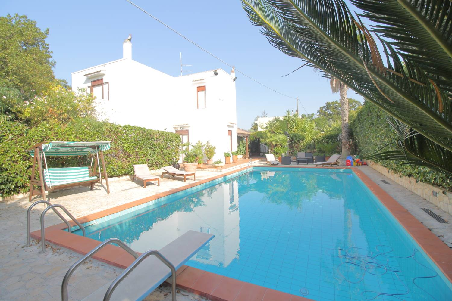 SANTA LUCIA, MONOPOLI, Villa for sale of 330 Sq. mt., Habitable, Heating Individual heating system, Energetic class: G, Epi: 165 kwh/m2 year, placed at 2°, composed by: 11 Rooms, Separate kitchen, ,