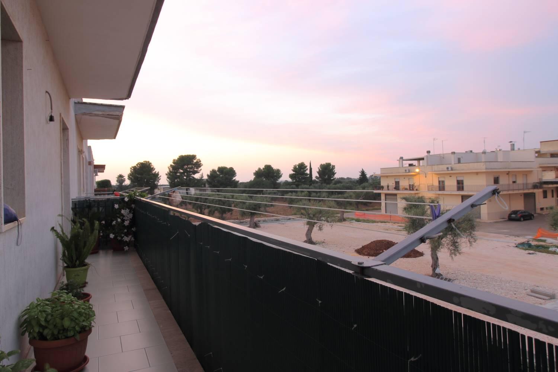 VENDITA - TRIGGIANELLO - APPARTAMENTO Proponiamo in vendita a Triggianello  frazione di Conversano zona ben servita e collegata con le rinomate mete turistiche come Polignano e Monopoli , un comodo