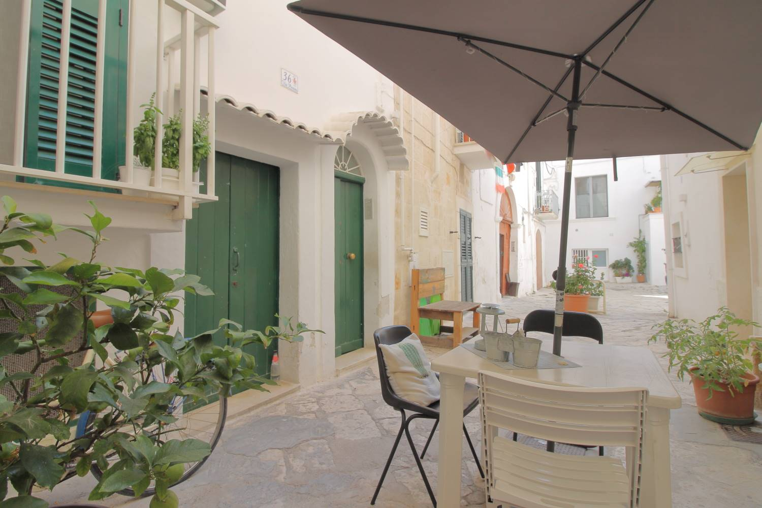 MONOPOLI, Independent Apartment for sale, Good condition, Heating Non-existent, Energetic class: G, Epi: 165 kwh/m2 year, placed at 1° on 1, composed by: 3 Rooms, Little kitchen, , 2 Bedrooms, 1