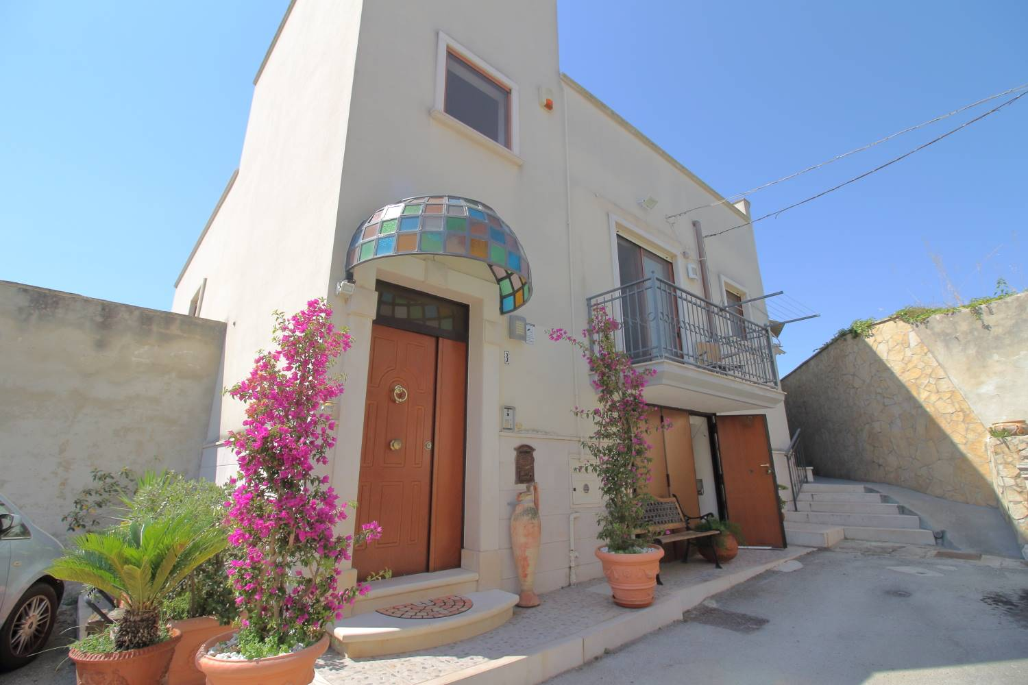 MONOPOLI, Detached house for sale, Excellent Condition, Heating Individual heating system, Energetic class: G, Epi: 165 kwh/m2 year, placed at 1°, composed by: 3 Rooms, Separate kitchen, , 2 Bedrooms,