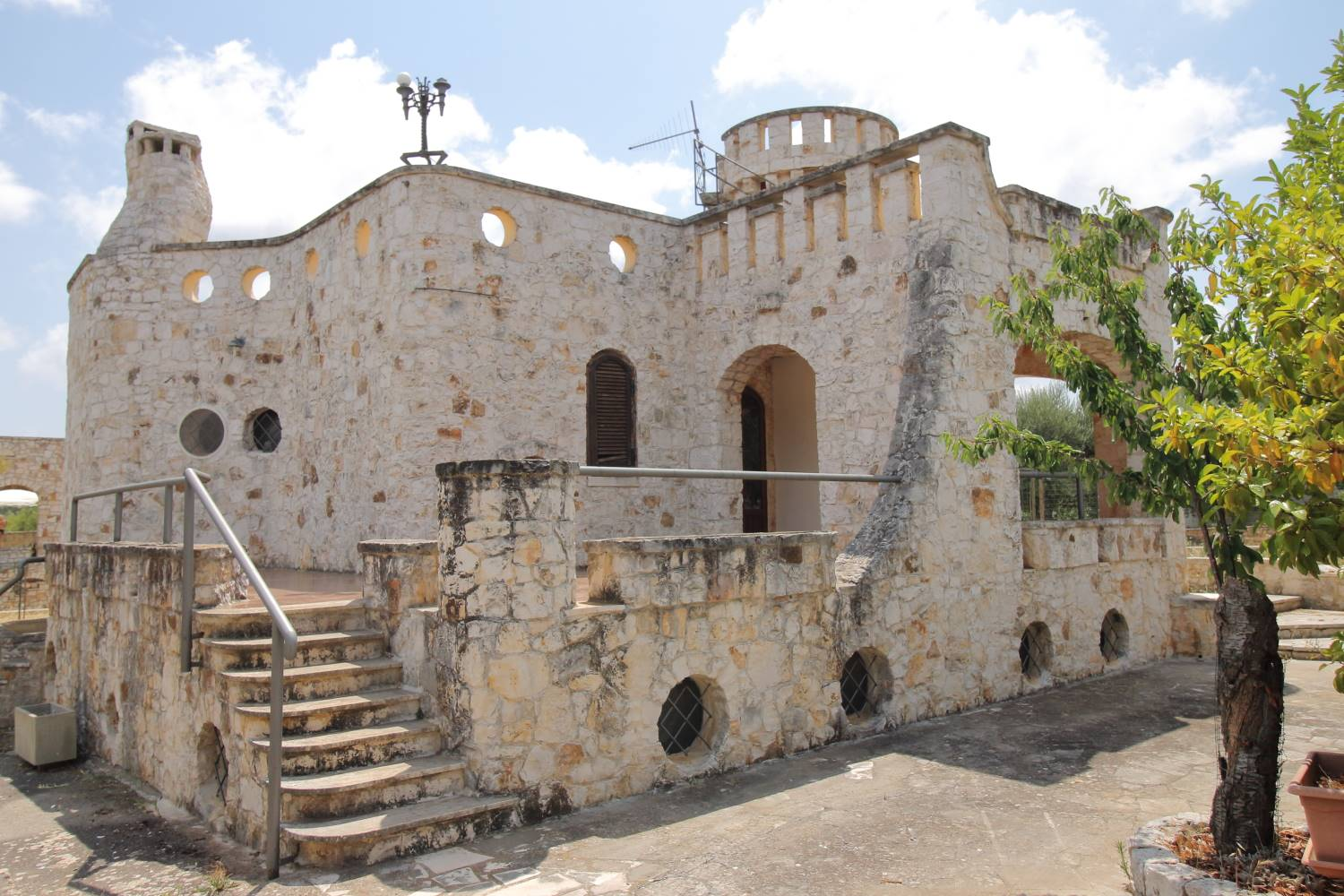 CHIESA NUOVA-TRIGGIANELLO, POLIGNANO A MARE, Villa for sale, Be restored, Heating Individual heating system, Energetic class: G, Epi: 165 kwh/m2 year, placed at Raised, composed by: 8 Rooms, Little