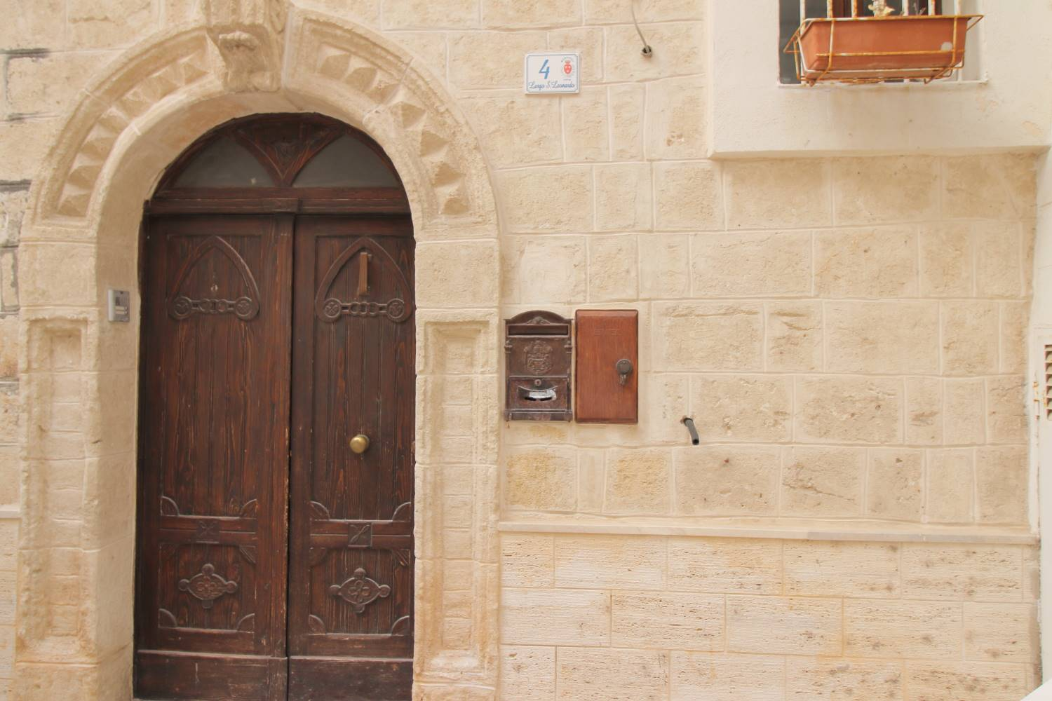 MONOPOLI, Apartment for sale, Be restored, Heating Non-existent, Energetic class: G, Epi: 165 kwh/m2 year, placed at 1°, composed by: 3 Rooms, Separate kitchen, , 1 Bedroom, 1 Bathroom, Price: € 160,