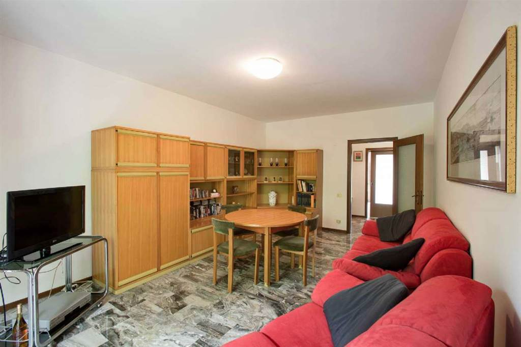 Appartamento in Via Bassano Del Grappa, Mirano