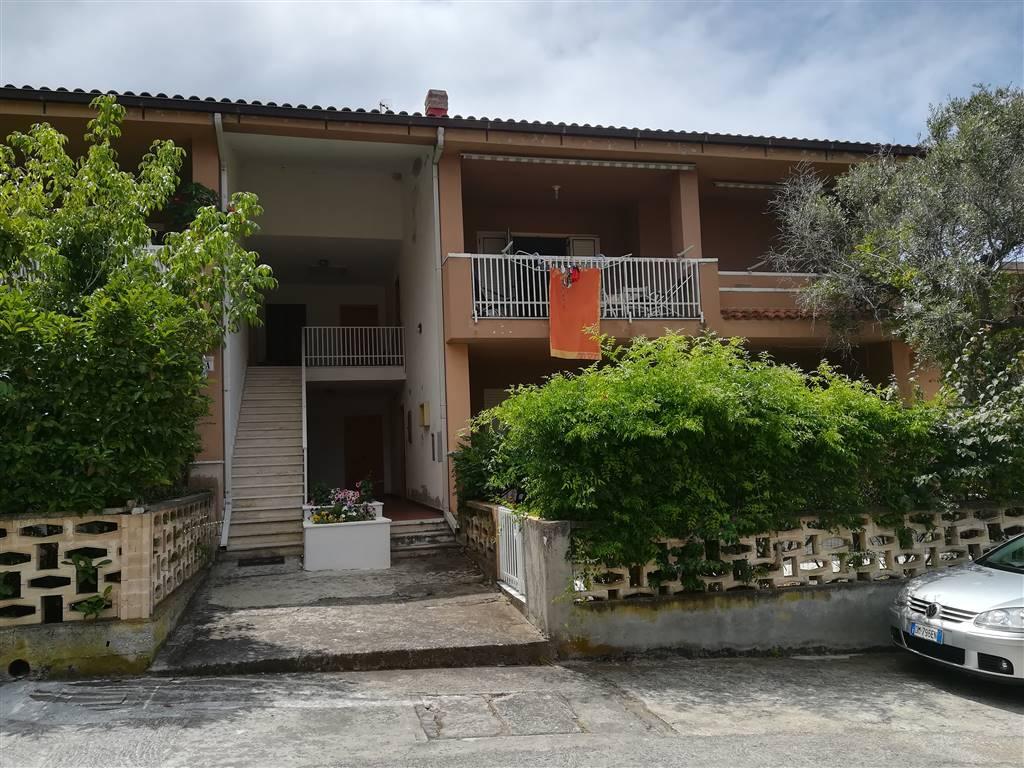 Appartamento in vendita a Falconara Albanese, 3 locali, zona Zona: Torremezzo, prezzo € 65.000   CambioCasa.it