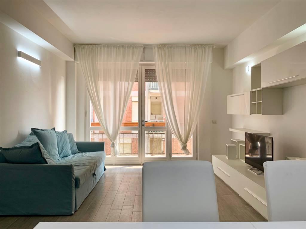 Lido di Camaiore, in zona centrale proponiamo in vendita appartamento completamente ristrutturato e arredato. Se cerchi una casa comoda vicino a