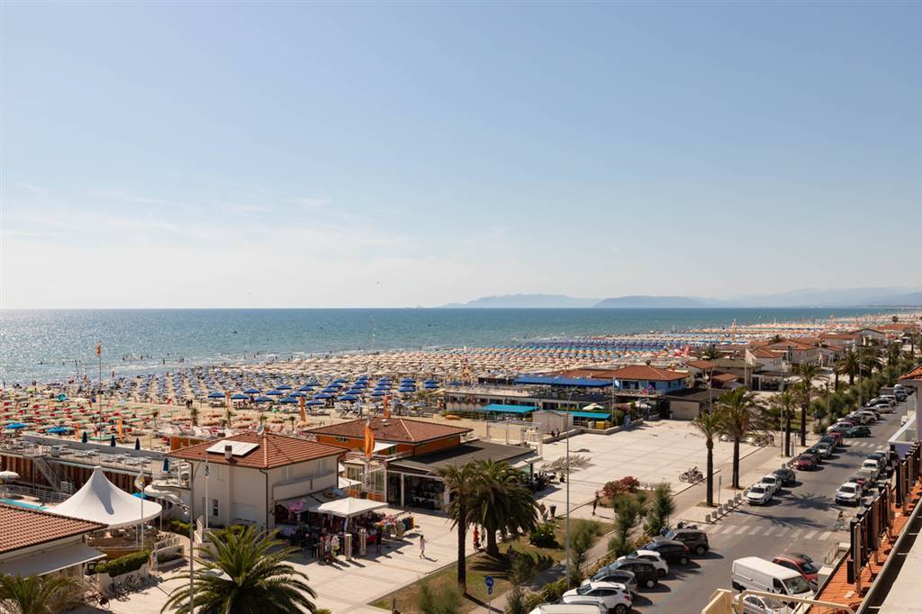 PASSEGGIATA, VIAREGGIO, Beach resort for sale of 800 Sq. mt., composed by: , Price: € 1,700,000