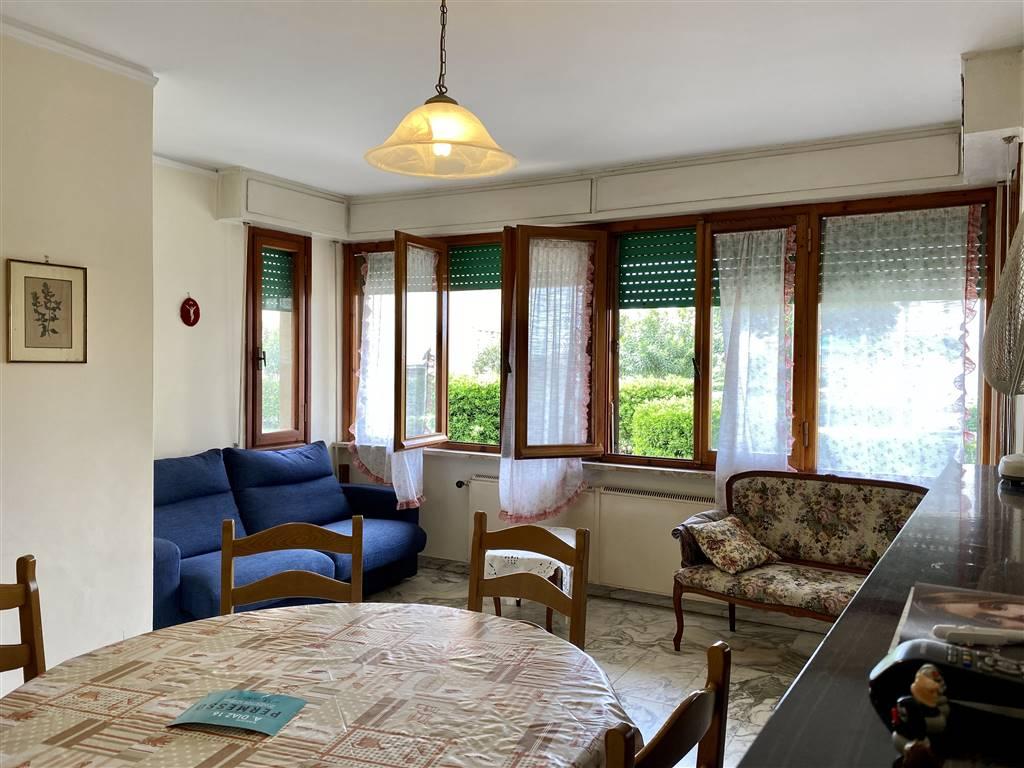 Appartamento, a Viareggio. Nella deliziosa località Città Giardino, proponiamo per la vendita appartamento di circa 80 mq posto ad un piano terra