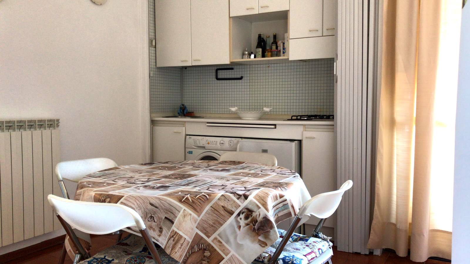 LIDO DI CAMAIORE, CAMAIORE, Квартира на продажу из 40 Км, Xорошо, Отопление Независимое, Класс энергосбережения: G, на земле 5° на 5, состоит из: 2