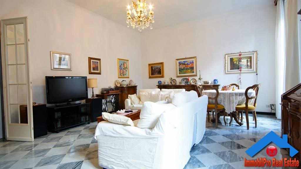 Appartamento in vendita a Levanto, 7 locali, prezzo € 540.000 | CambioCasa.it