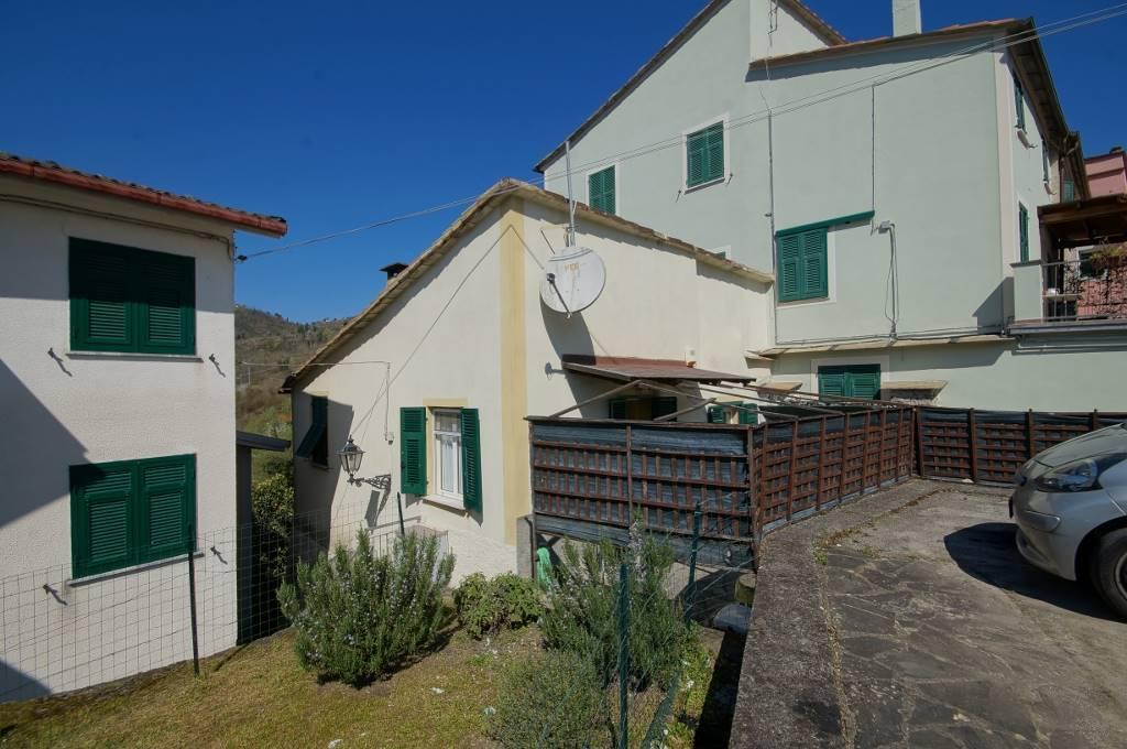 Soluzione Semindipendente in vendita a Carrodano, 5 locali, prezzo € 85.000 | PortaleAgenzieImmobiliari.it