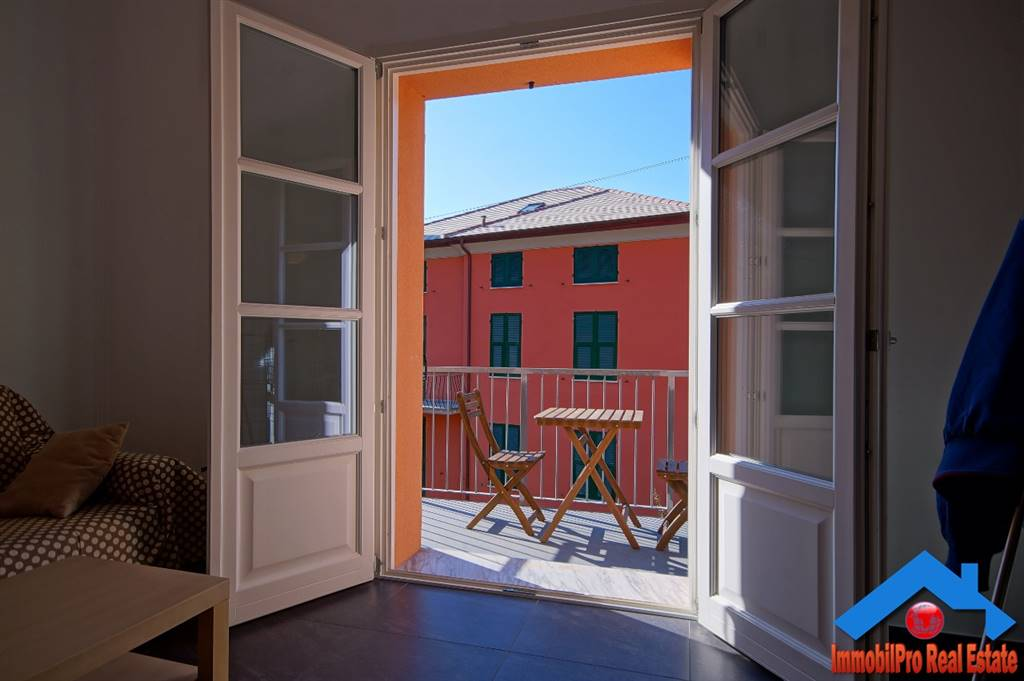 Appartamento in vendita a Levanto, 4 locali, prezzo € 320.000 | CambioCasa.it