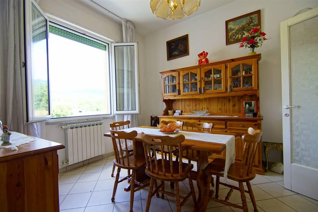 Appartamento in vendita a Sesta Godano, 5 locali, prezzo € 65.000 | CambioCasa.it