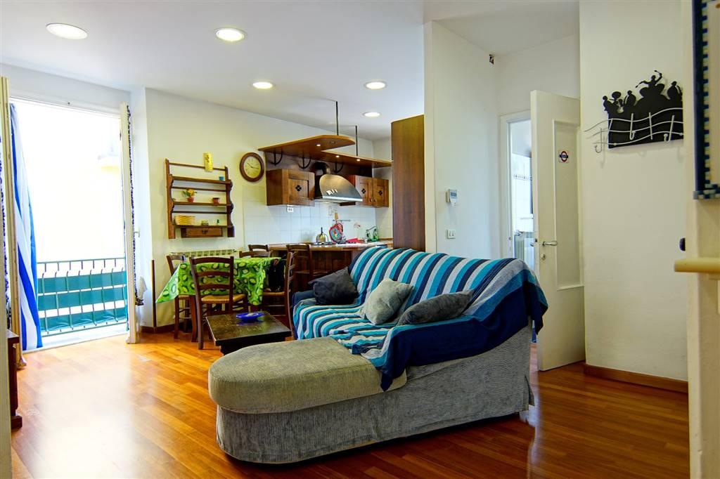 Appartamento in vendita a Levanto, 5 locali, prezzo € 280.000 | CambioCasa.it