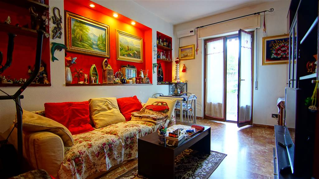 Appartamento in vendita a Levanto, 5 locali, prezzo € 590.000 | CambioCasa.it