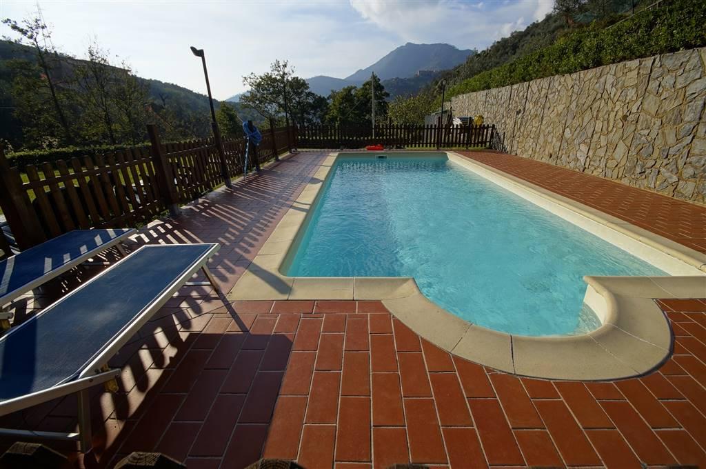 Albergo in vendita a Levanto, 10 locali, prezzo € 990.000 | CambioCasa.it