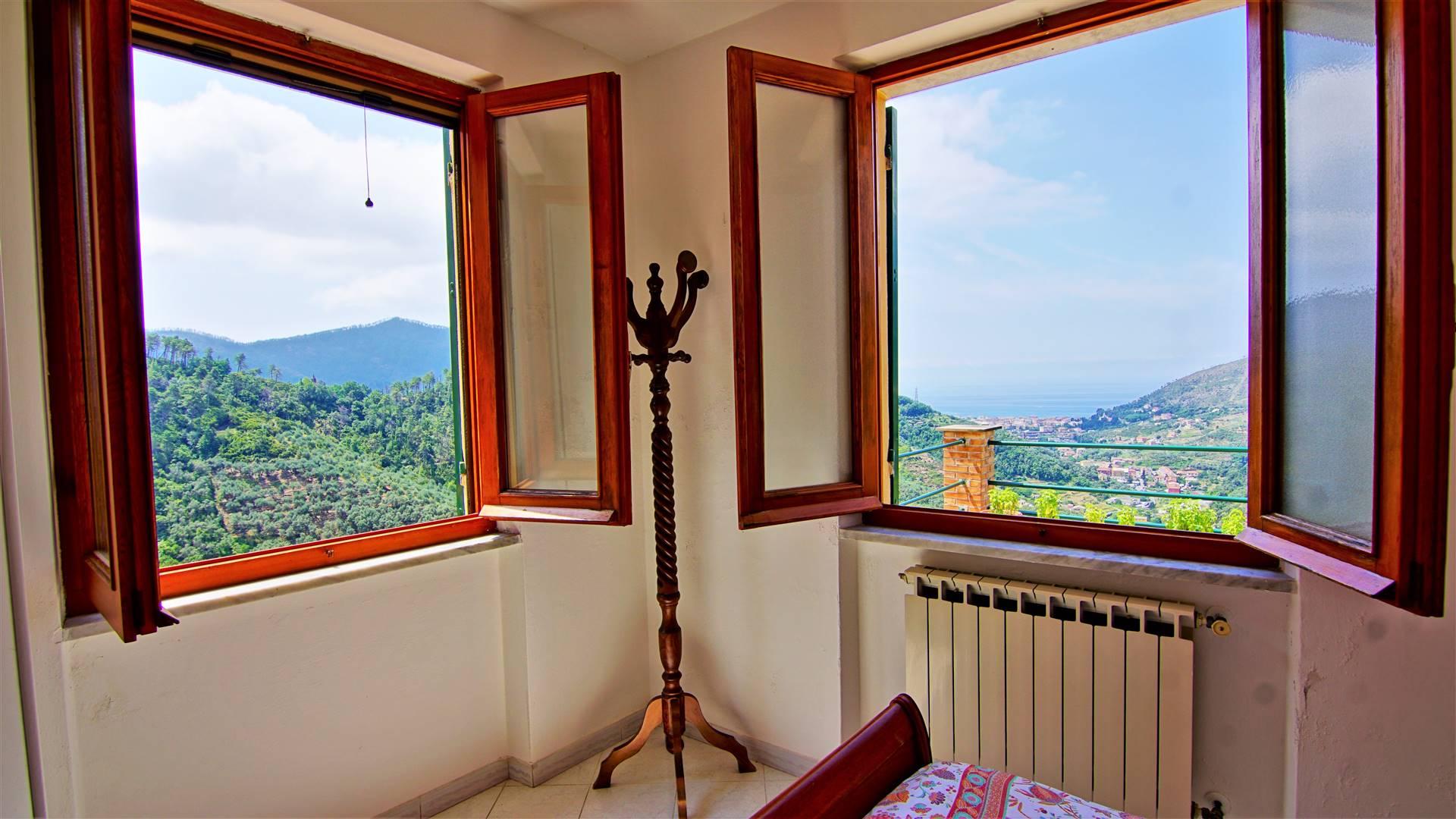 Appartamento in vendita a Levanto, 4 locali, prezzo € 180.000 | CambioCasa.it