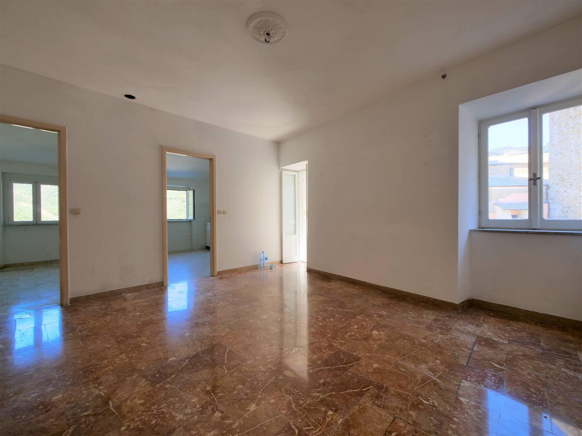 Appartamento in vendita a Levanto, 6 locali, prezzo € 270.000   PortaleAgenzieImmobiliari.it