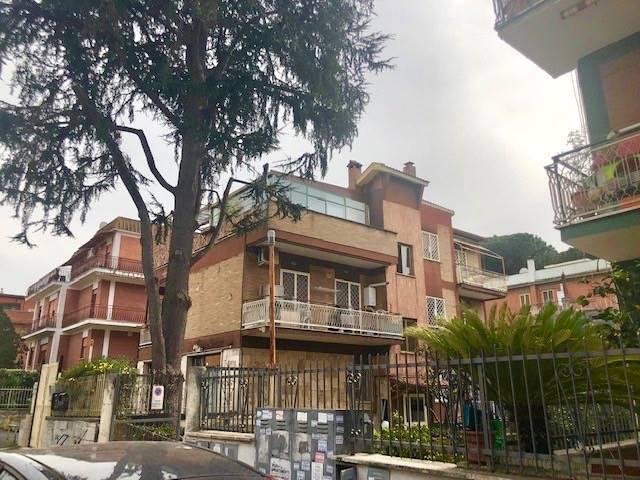 Trilocale in Via Dei Minatori 24, Roma