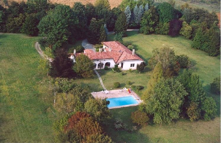 PREGANZIOL, Farmstead for sale of 432 Sq. mt., Good condition, Heating Individual heating system, Energetic class: G, Epi: 305 kwh/m2 year, placed at