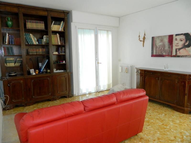 Stanza / Camera, Mestre, Venezia, ristrutturata
