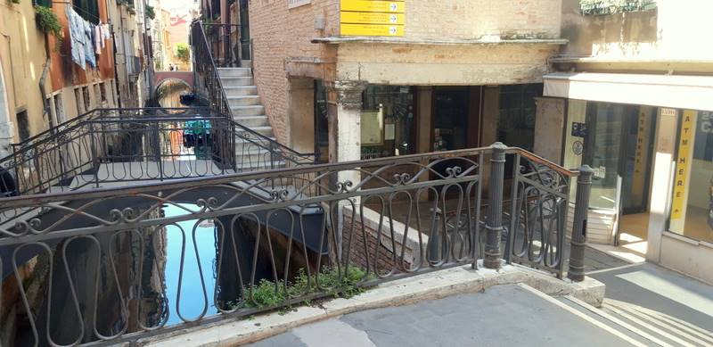 SAN POLO, VENEZIA, Independent Apartment for sale of 120 Sq. mt., Restored, Heating Individual heating system, Energetic class: G, Epi: 300 kwh/m2