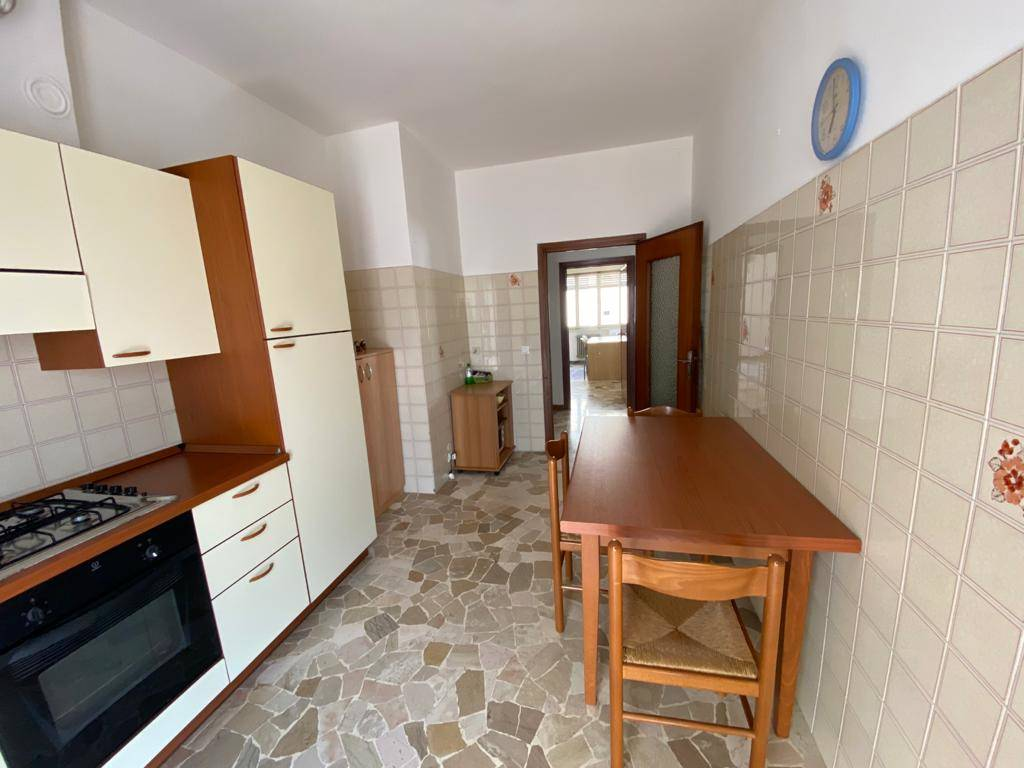 MESTRE CENTRO, VENEZIA, Apartment for rent of 90 Sq. mt., Excellent Condition, Heating Centralized, Energetic class: G, Epi: 275 kwh/m2 year, placed