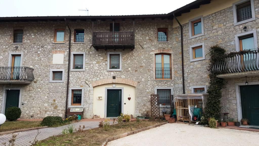 Casa semi indipendente, Faedis, in ottime condizioni